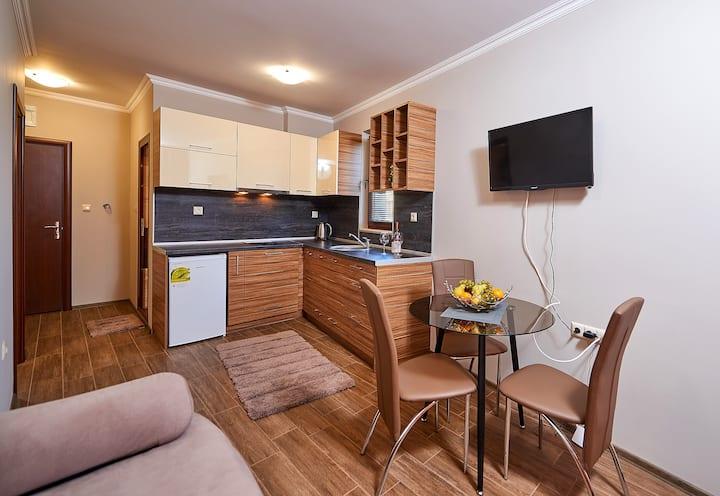 """Апартамент 4 """"Bendita House"""""""