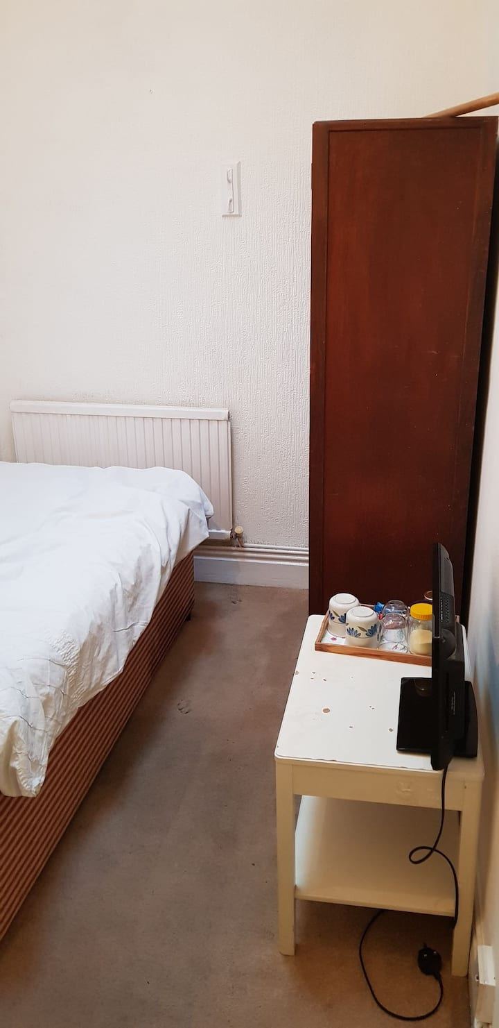 Single room with skylight. West Brompton.