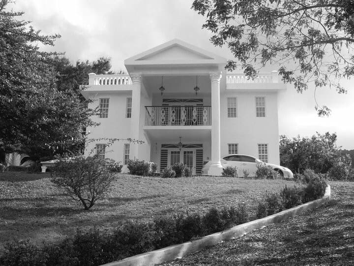 La Casita Blanca (White House of the Caribbean)