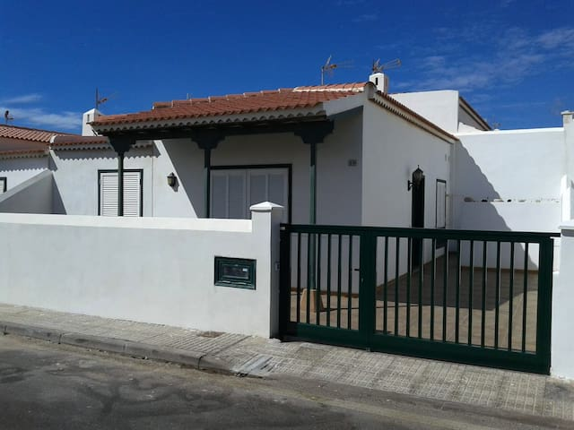 Your pretty , cozy and cheap house near the sea