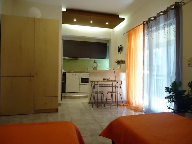 Clean & Tidy Apartment near the Port