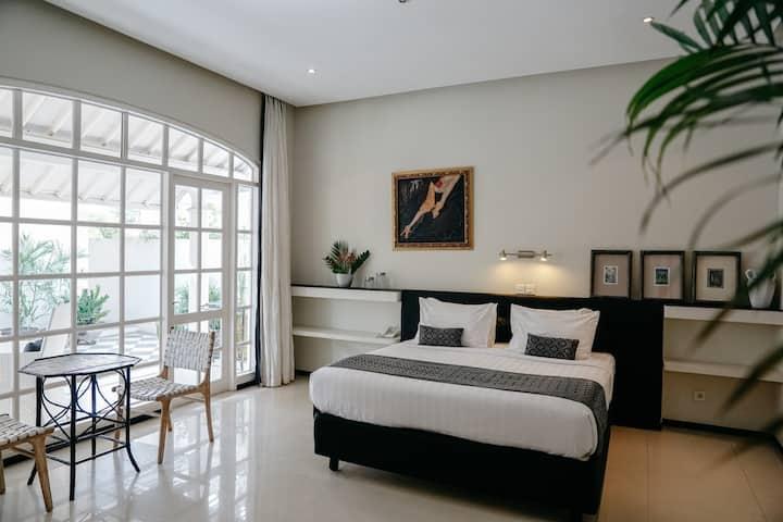 The De Luxe Room at Casa Artista Bali