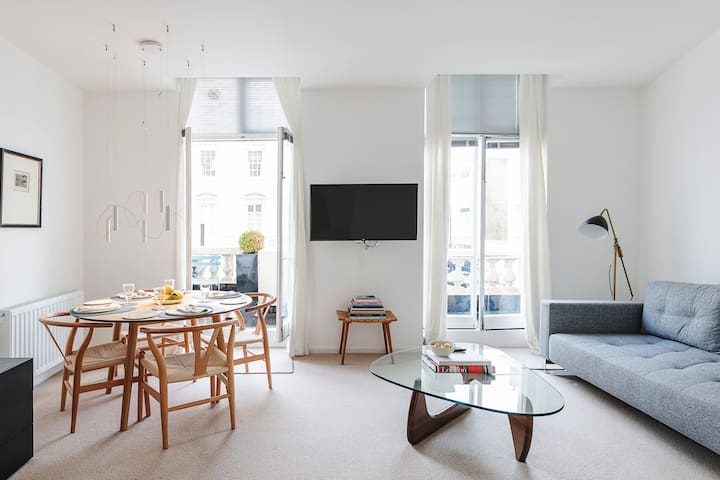 Fabulous central London flat with private balcony
