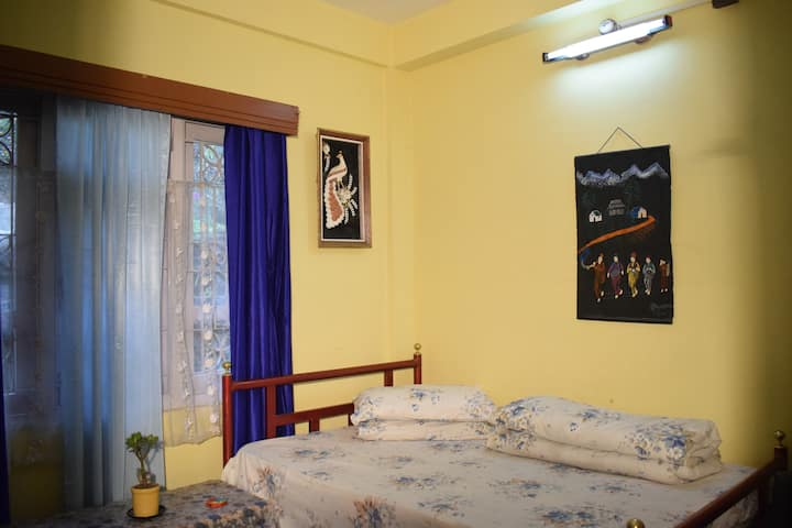 Haamro Ghar Backpackers' Rooms, Mirik- Blue Room