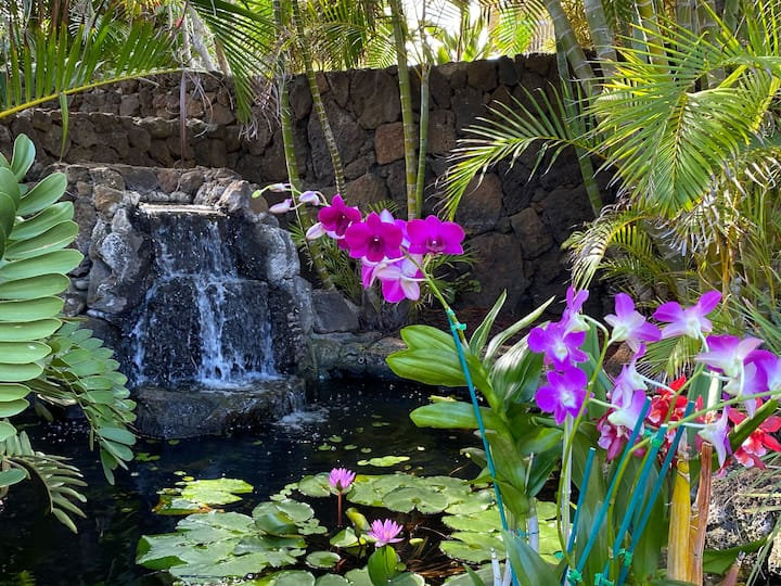 Makanui Estate: Private Home For The Whole Family Nestled In A Beautiful Poipu Neighborhood, With A Guest House, And Short Walk to the Beaches