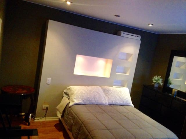 Great Room in a 2BR Apt in Barranco