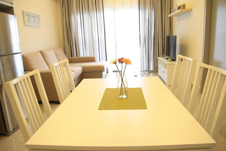SKYLOFT Homestay at Puchong  蒲种天空小阁 - Puchong - Apartament