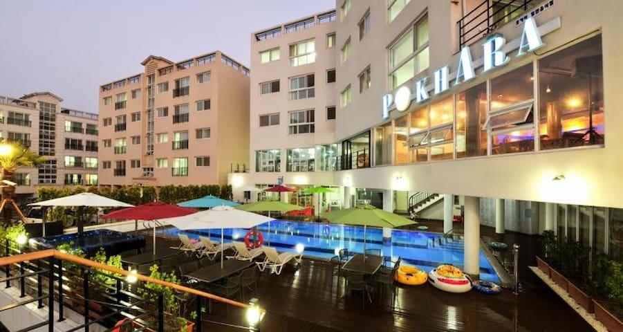 거제아쿠아리우스 U동 2021호  실내외수영장3개(실내온수) 1층전용바베큐이용(무료)
