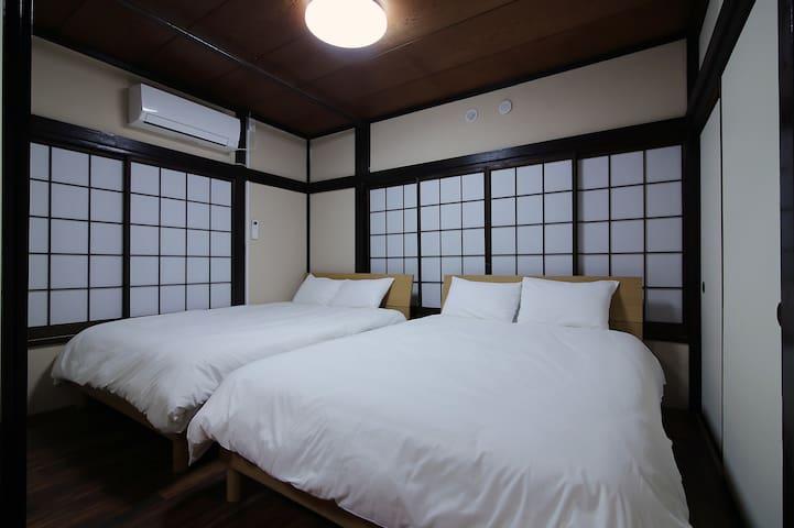 N2) Asakusa's modern-style apartment