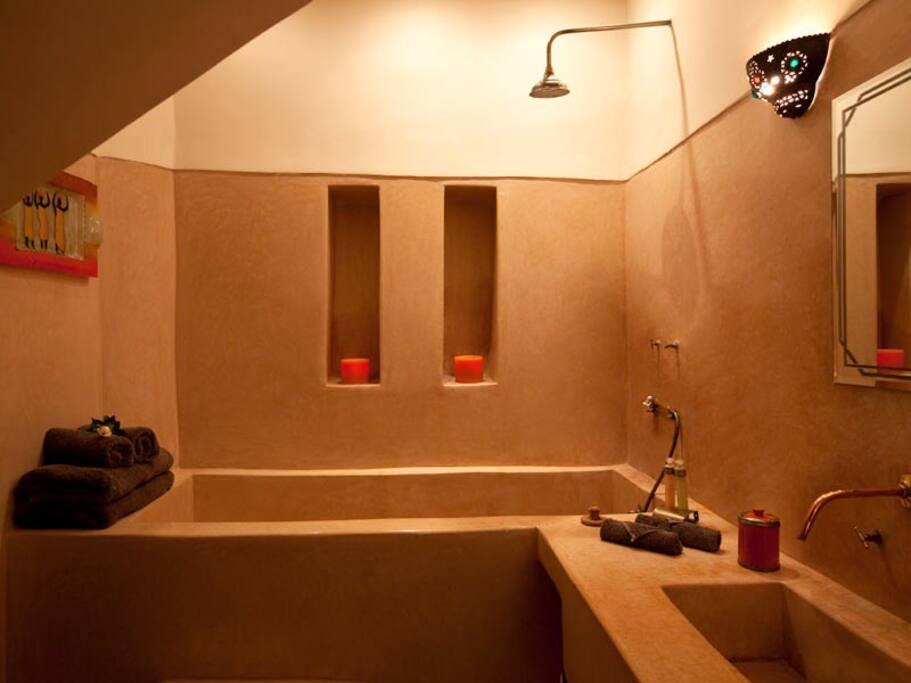 Grande salle de bain WC separé