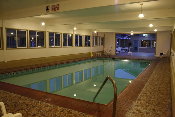 1 Bedroom Suite | Indoor Swimming Pool |