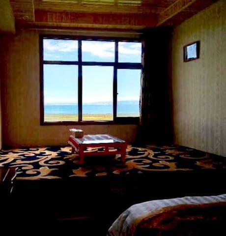 二郎剑景区附近的深度体验藏族人家 大炕房 1间房2个床 可住4人
