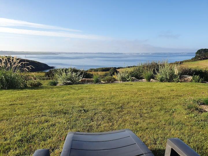 Magnificent sea view, calm  and confortable