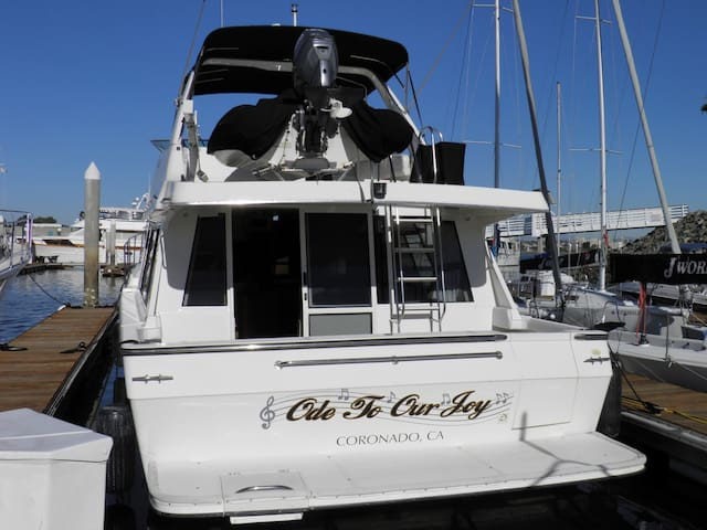 BOAT, BED & BREAKFAST - 'ODE TO OUR JOY' - San Diego - Bateau