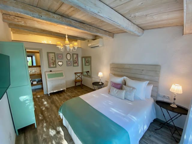 B&B Wine and Cooking Double Room with Private Entrance