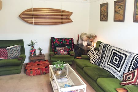 Beautiful Beach Pad Bondi/Tamarama - Tamarama - Apartmen