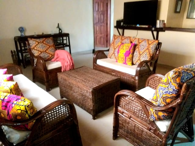 Beautiful 1 Bedroom Apartment | Free WiFi