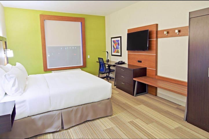 Cozy Room&Private Bathroom with Breakfast&Gym&Pool