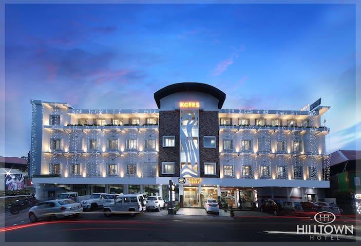Kgees- HillTown Hotel