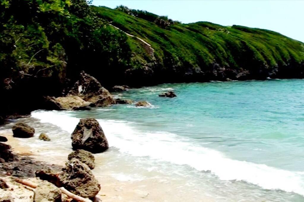 Sea Dog Inn beach