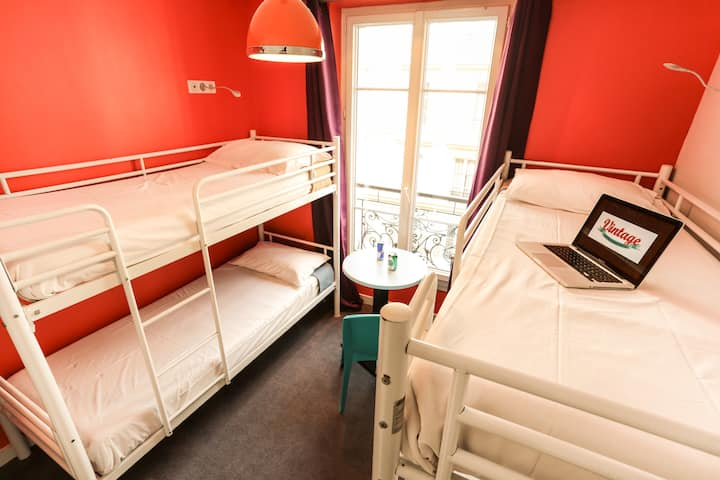 Bed in 4 bed Female Dormitory - Vintage Hostel