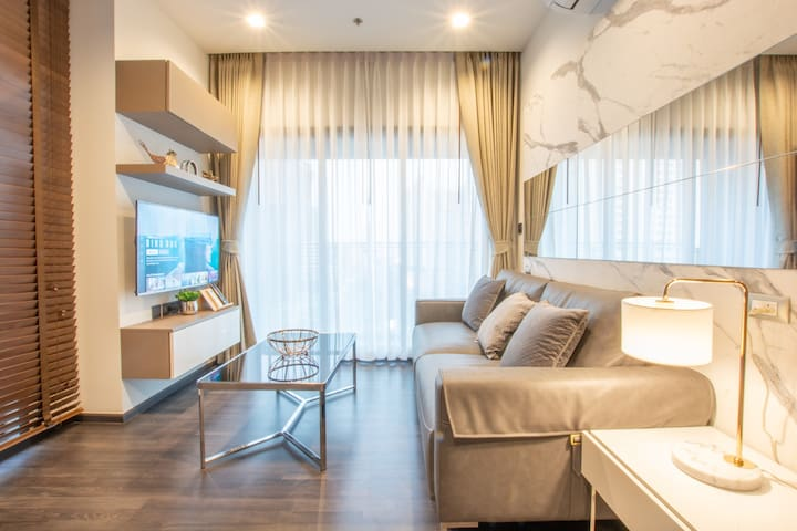 Brand NewLuxury 1 BR+WiFi@MRT Rama9-Central Rama9