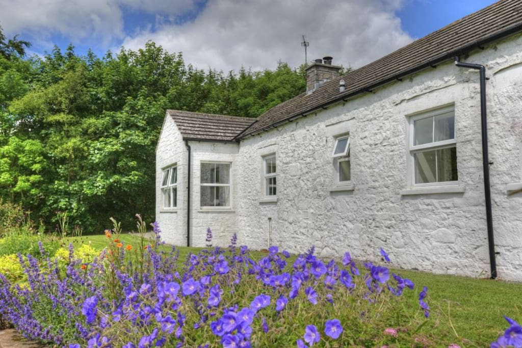 Abbotsway Cottage has charm and character
