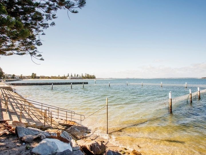 Sandringham by the Bay airport/beach/sailing club
