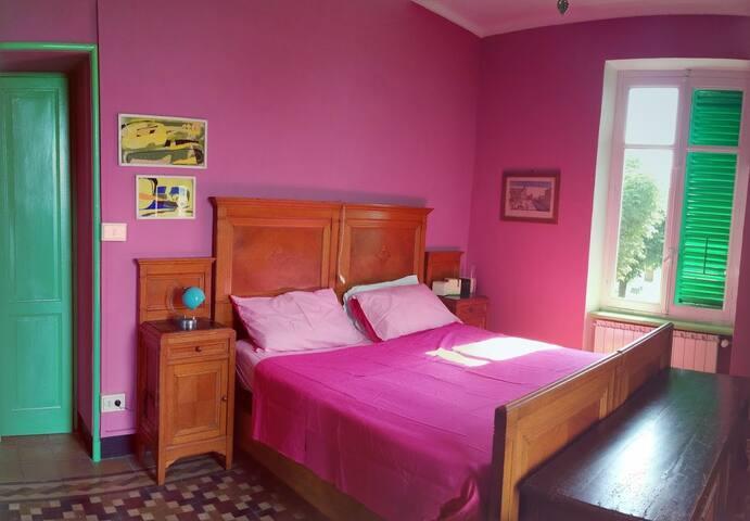 main double bed bedroom