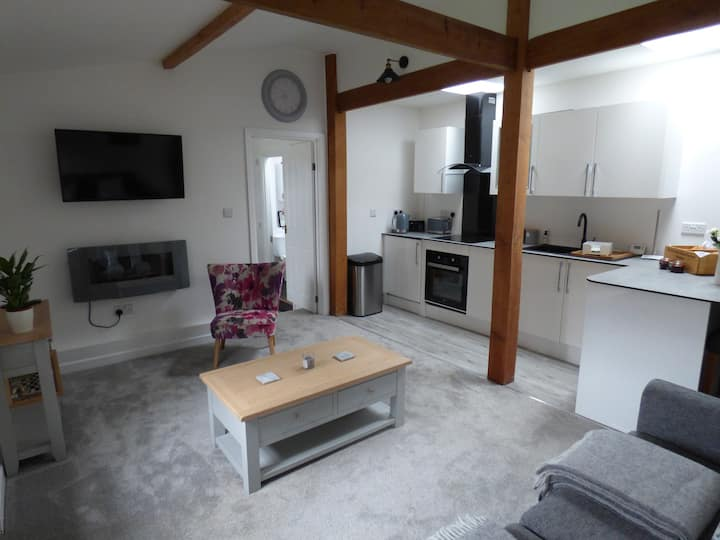 Happy Days, Converted Stable in Burley New Forest