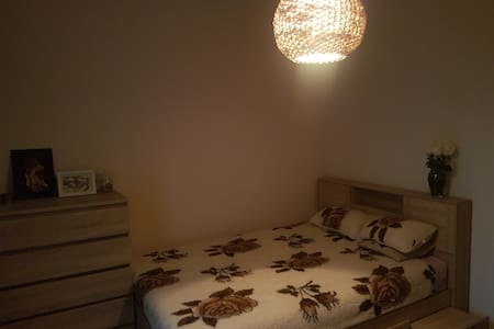 Private Room in the Old Town- FEMALE ONLY