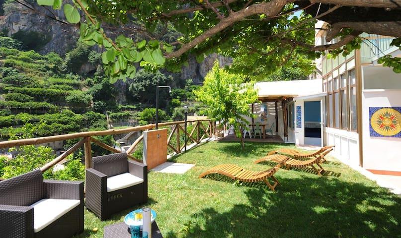 Unforgettable Atrani, villetta con giardino.