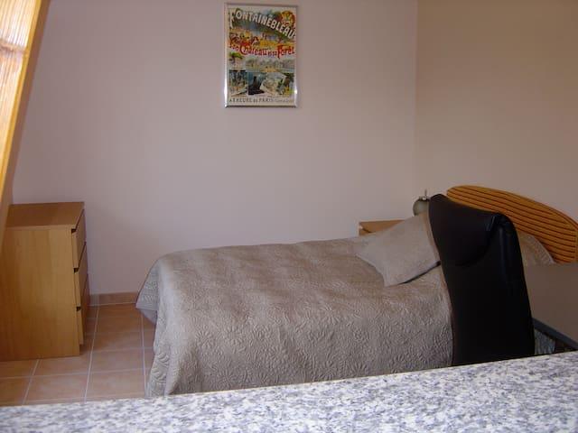 Maison des Bois: Studio 7 - Bois-le-Roi - อพาร์ทเมนท์