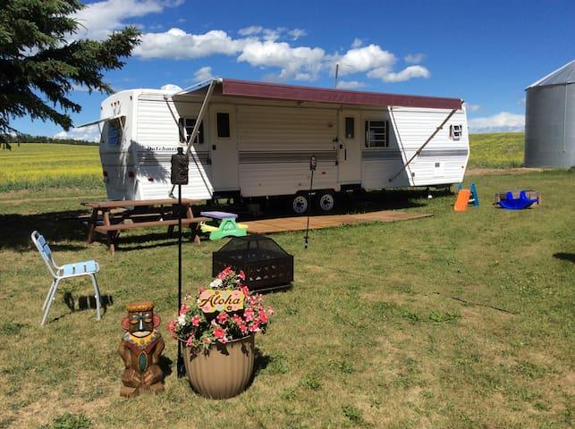 'Home on the Range' <5 miles to Sylvan Lake Beach