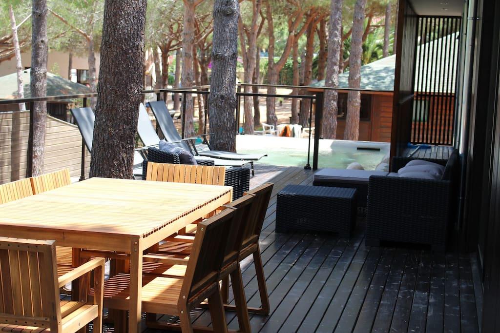 Terrasse 100 m2 avec jaccuzzi