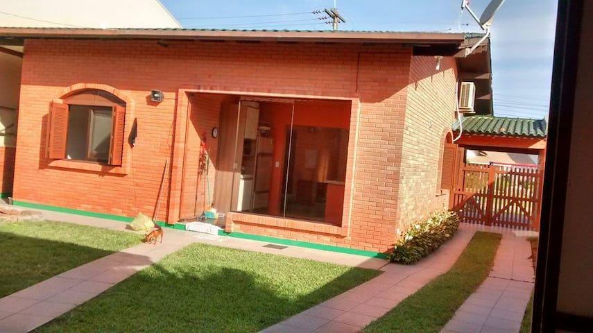 Excelente Casa a melhor localização - Tramandaí - House