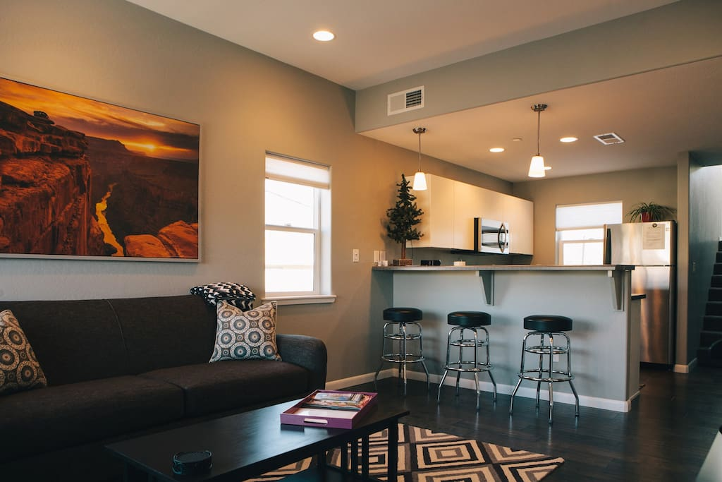 Flagstaff downtown lofts with garage apartments for rent in flagstaff arizona united states for One bedroom apartments in flagstaff az