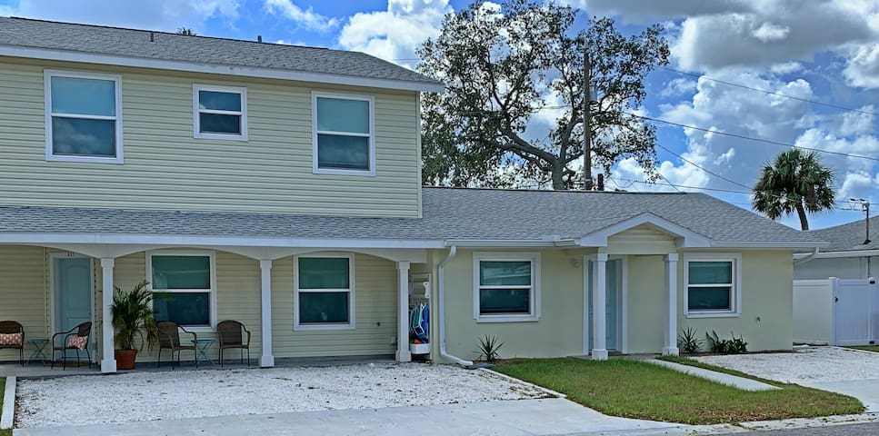 One of the three Barefoot Parrot Cottages. This spacious first floor 815 sq feet cottage is shown on the bottom left with sitting area.
