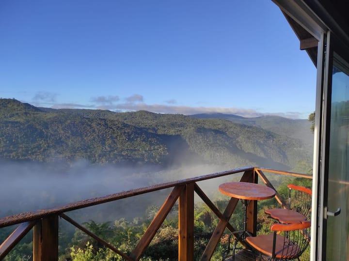 Chalé com vista incrível da Cascata Véu de Noiva!