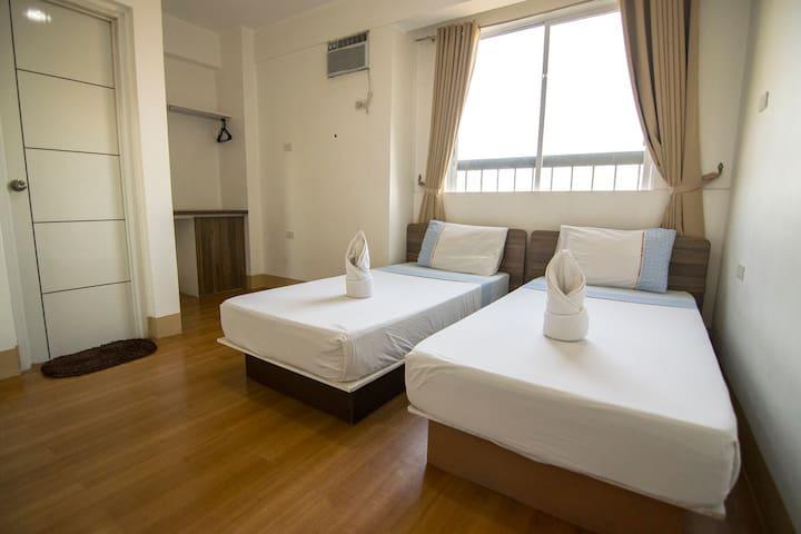 Twin Room Sulit Dormitel SM Sta Mesa VMapa