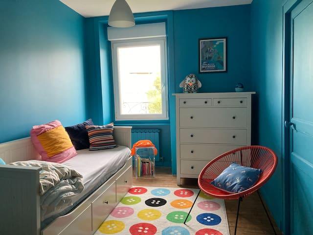 chambre enfant : 2 lits simples