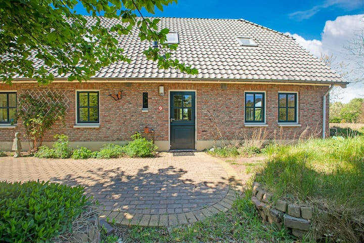 Quaint Holiday Home in Dalfsen with Private Terrace