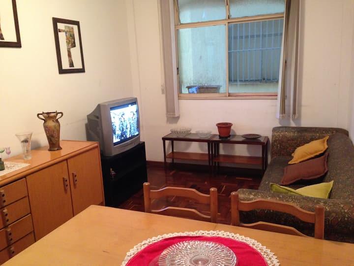 Apartamento 2 quartos, Wi-Fi no bairro Vila Paris