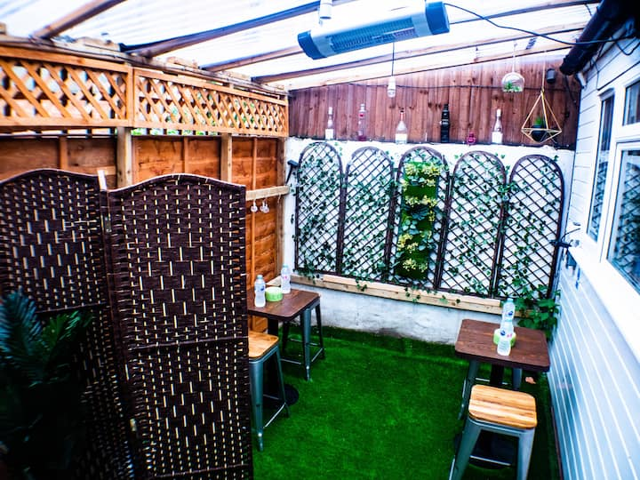 Cosy Garden Terrace apt, 20mins to central London