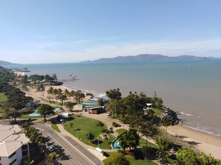 Strand Ocean View Fast WiFi Foxtel Netflix A/C