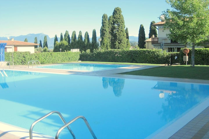 Enticing Holiday home in Lazise with Swimming Pool