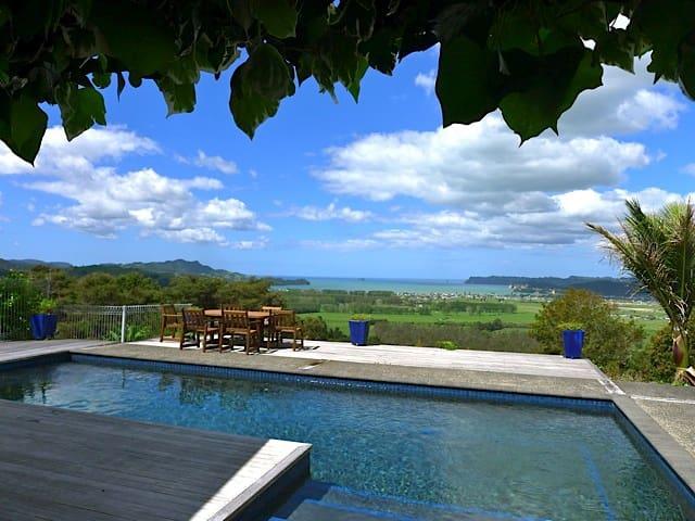 WoodyHanger Lodge - Luxury accomodation Whitianga