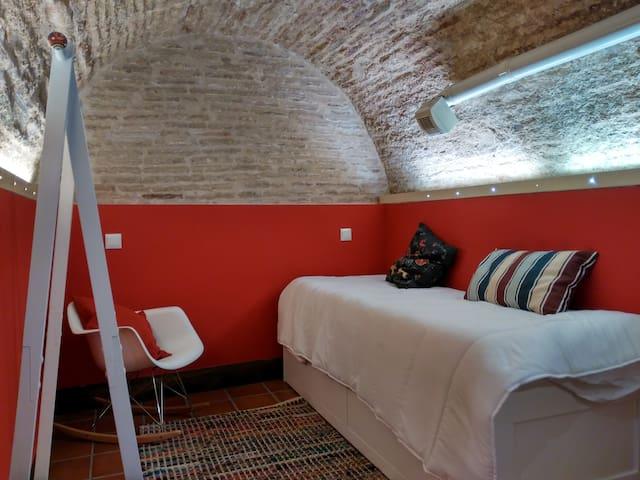 Apartamento con Aljibe en plena Judería de Toledo - Toledo - Apartment