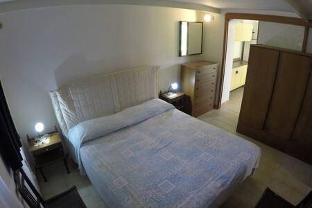 Appartamento con giardino in villino - San Corrado di Fuori