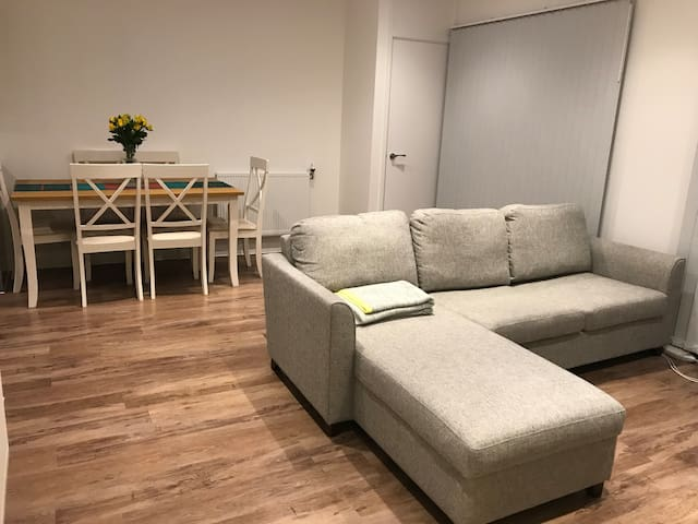 One bed flat in London Zone 3